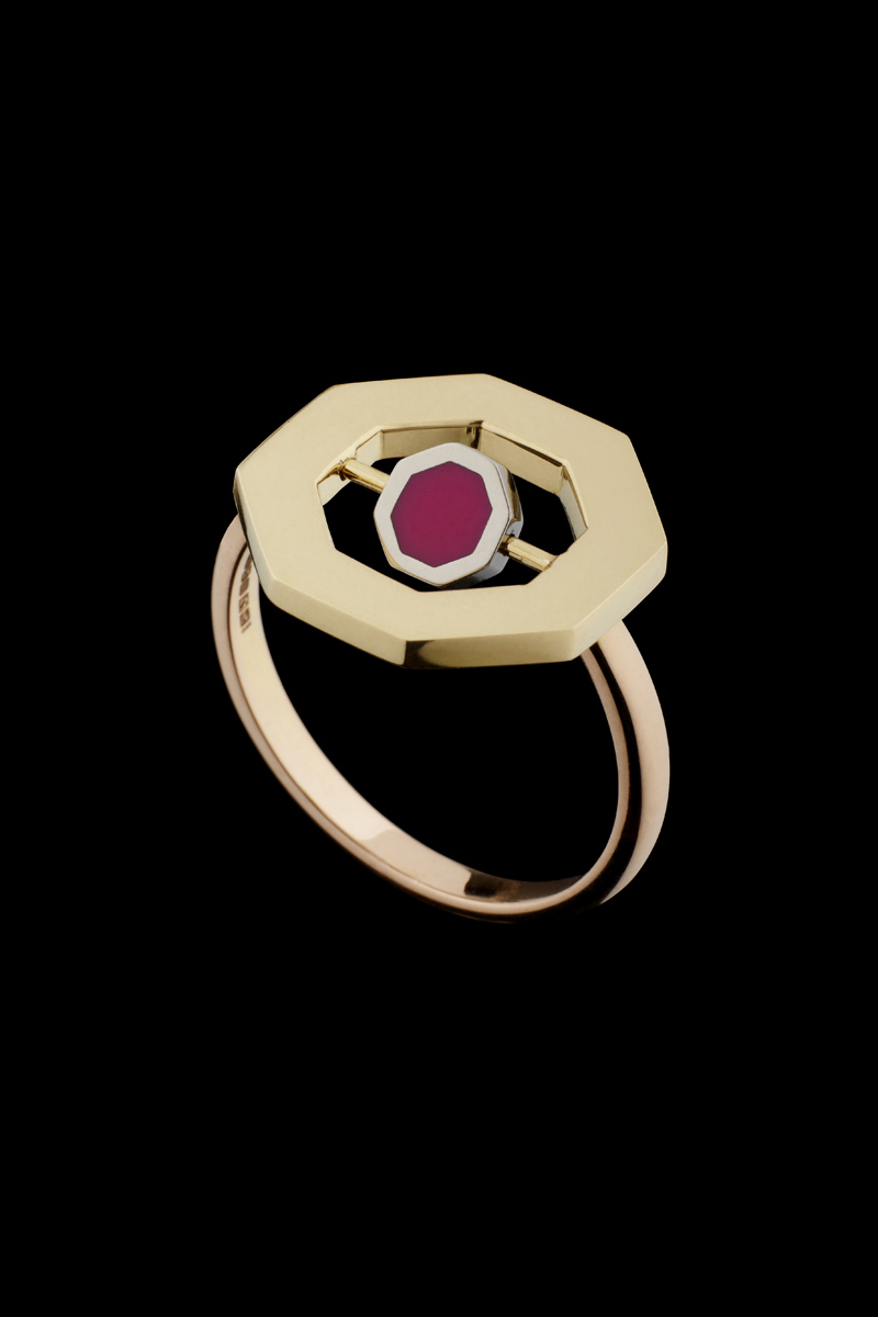 Flip Octo Ring with Enamel Black